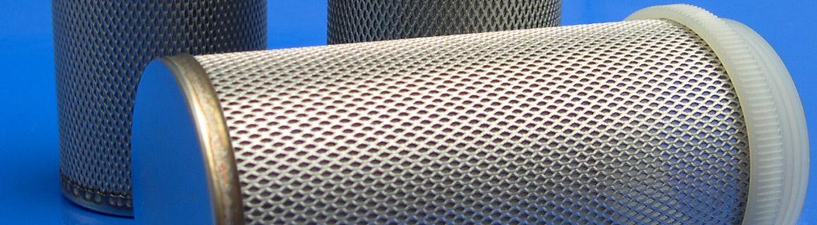 Verkkolevy ruostumattomasta teräksestä valmistettuna suodattimeen