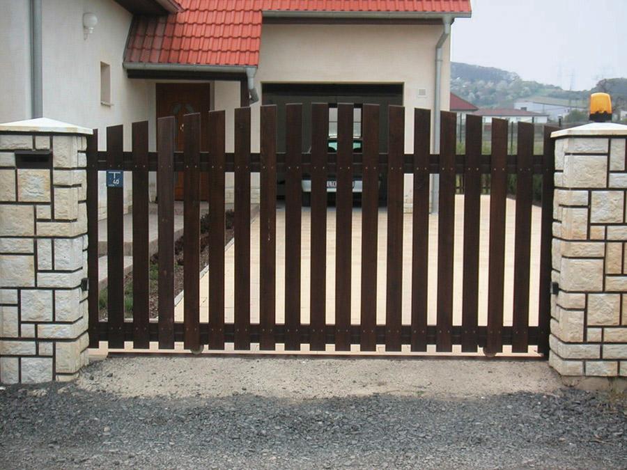 Cais liukukiskot porteille